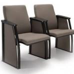 Ref 12020 – Poltrona com assento retrátil